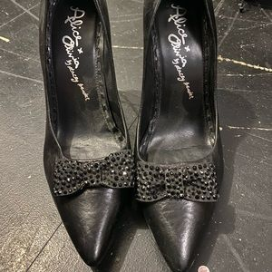 Alice and Olivia Pumps with bedazzled bow
